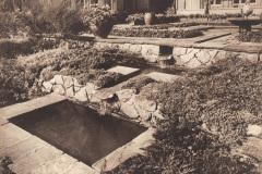 Anschuetzgebaeude-an-der-Schwentinemuendung-1938-Innenhof-und-Gartenanlage-Wasserlauf-Direktionstrakt-Dr-Hermann-Anschuetz-Heikendorfer-Weg-9-27