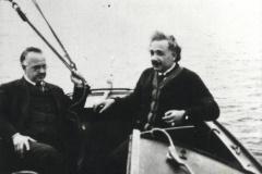 Einstein-m-Anschuetz-b-segeln